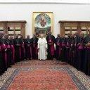 l_papa-francisco-com-os-bispos