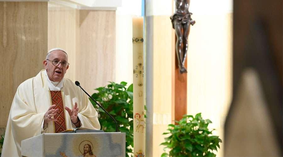 Papa-Francisco-Casa-Santa-Marta-Vatican-Media-22042020